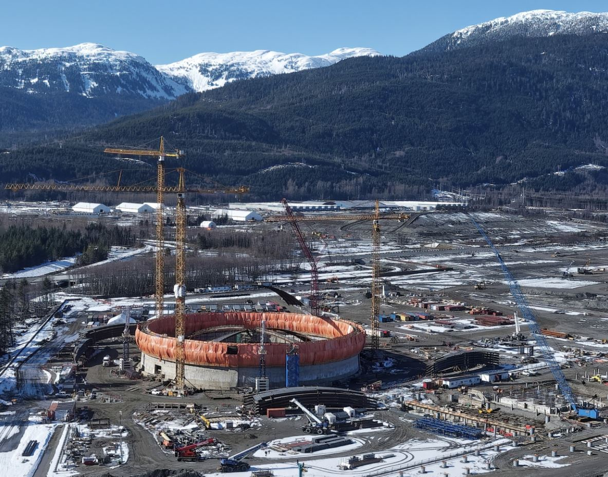 LNG Canada pipeline on track for 2023 start