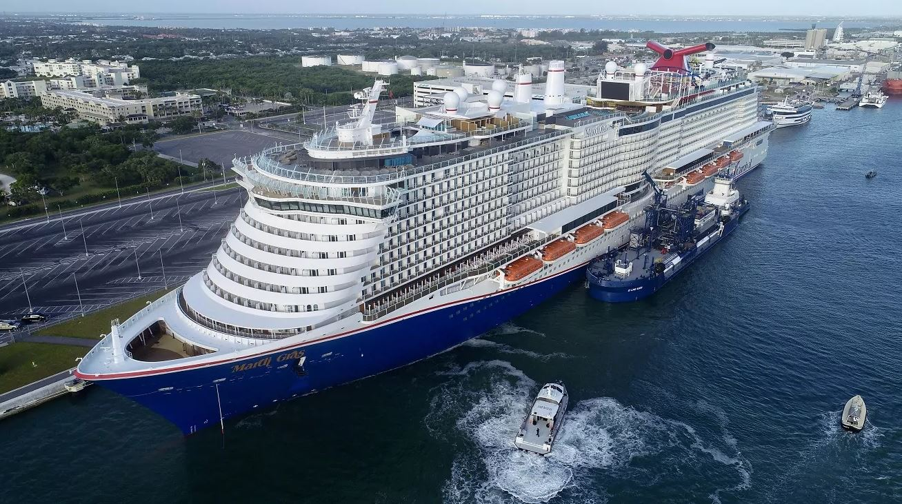 Carnival's Mardi Gras wraps up first Port Canaveral LNG bunkering op