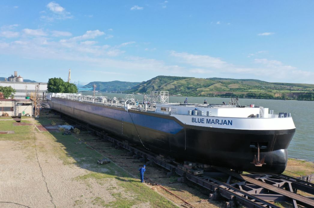 Concordia Damen launches first Shell-chartered LNG inland barge