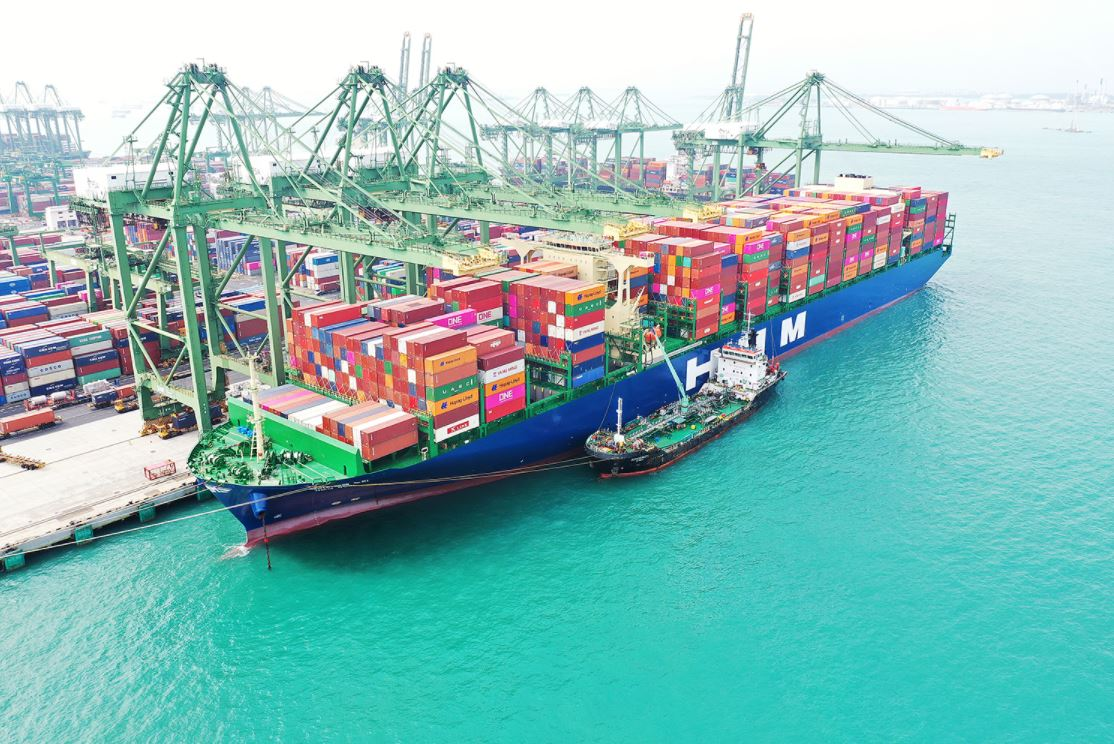 HMM orders 12 LNG-ready containerships at Korean yards