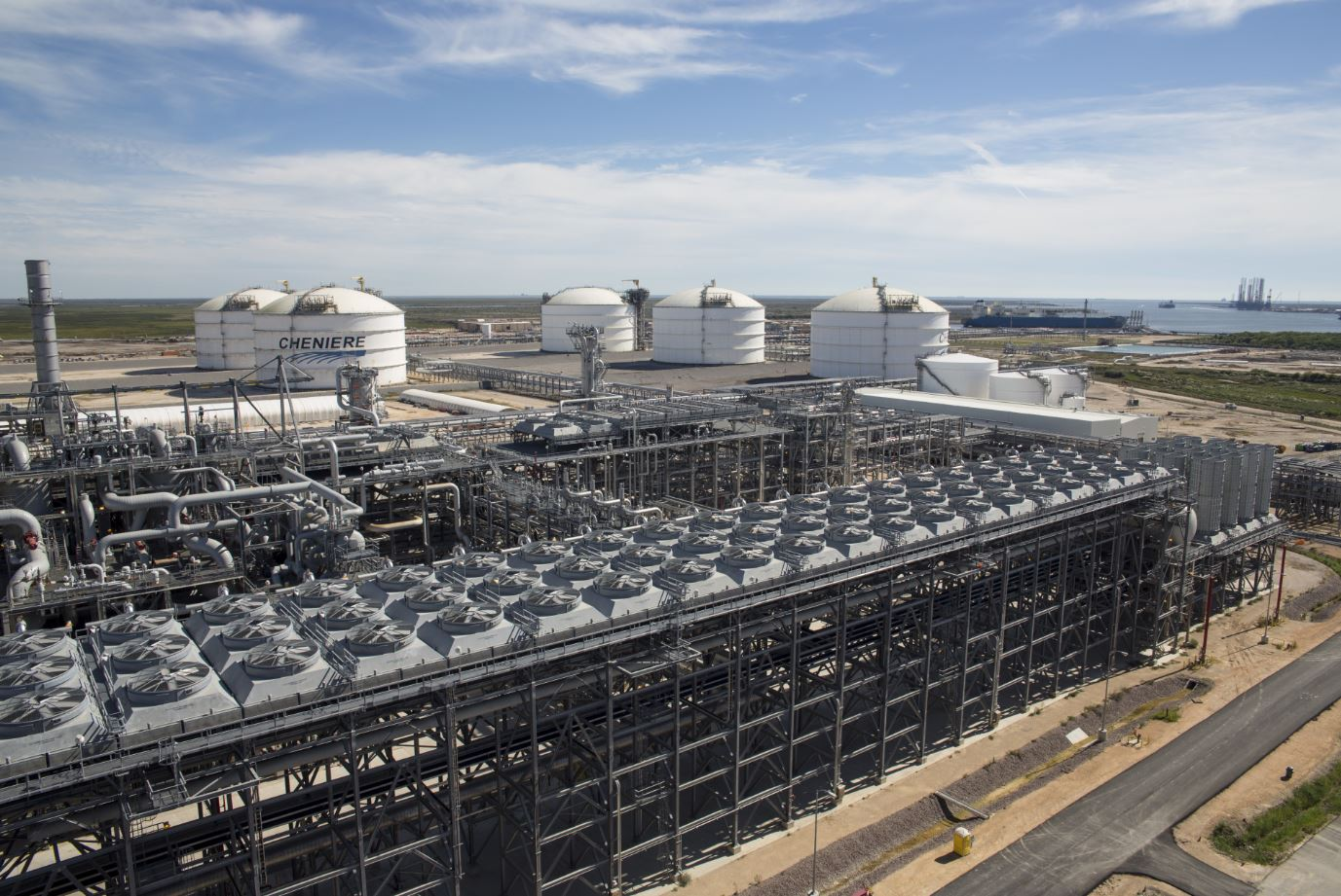 US weekly LNG exports drop to 17 cargoes