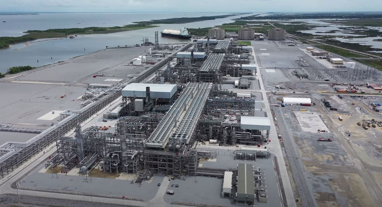 US LNG exports drop to 16 cargoes