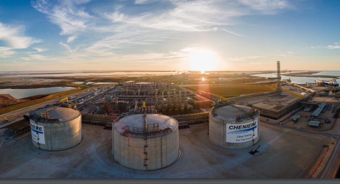 Cheniere declares first quarterly dividend, plans expansion