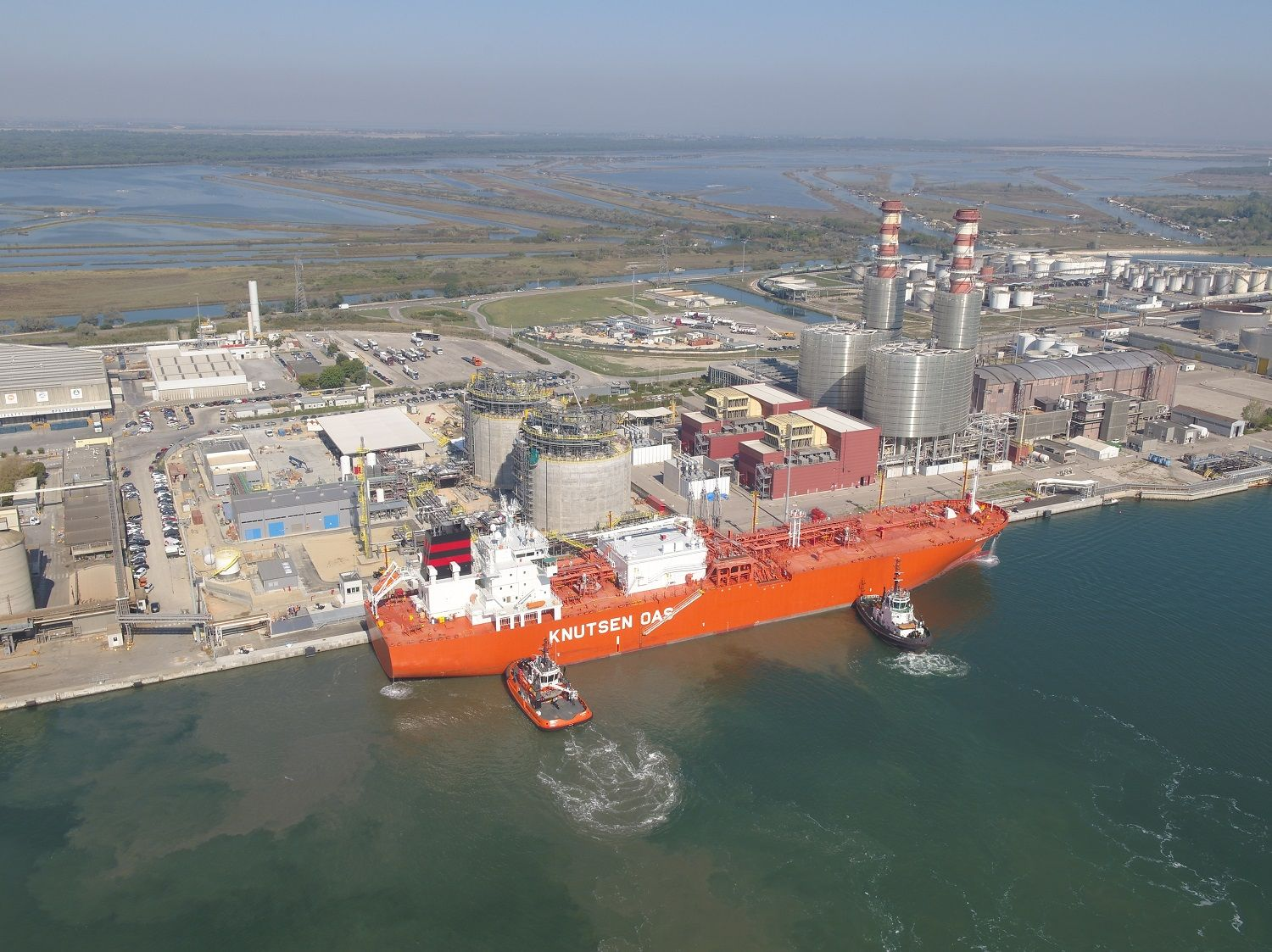 Edison says Ravenna small-scale LNG terminal gets commissioning cargo
