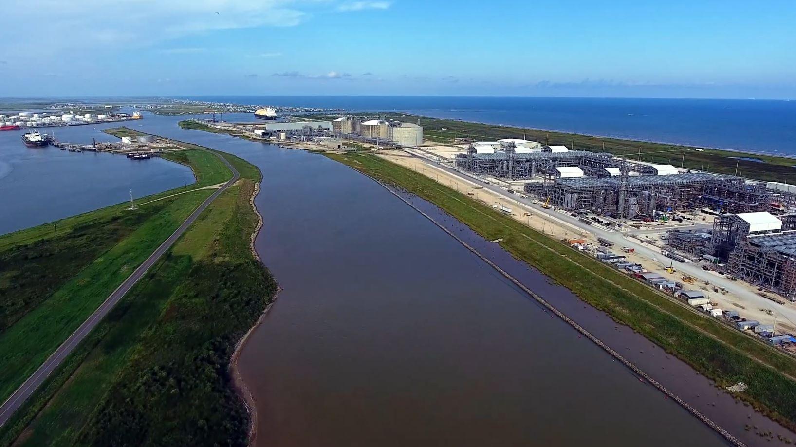 Storm Nicholas shuts down Freeport LNG terminal in Texas