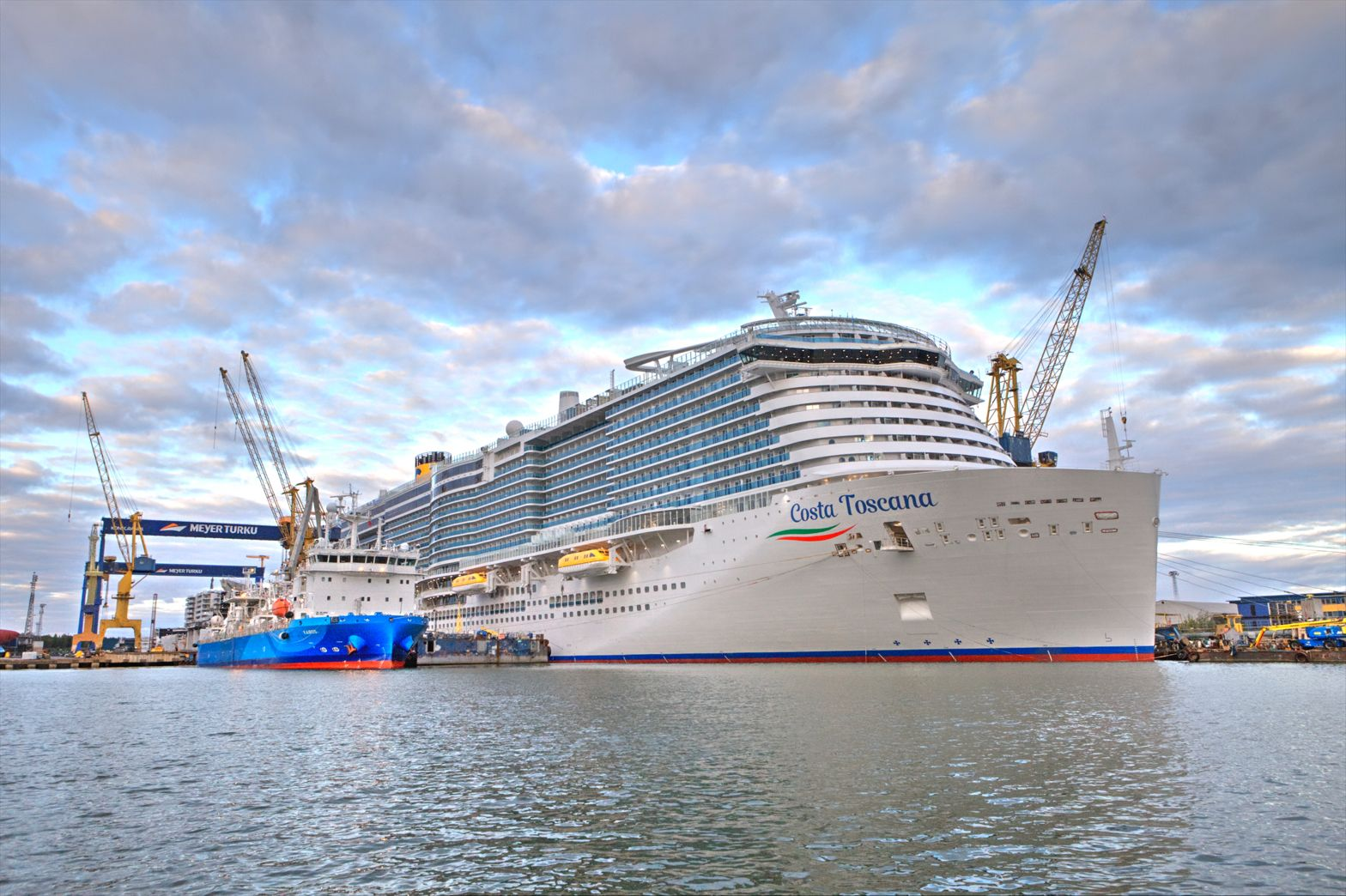 Costa Cruises' LNG-powered newbuild sets out for sea trials