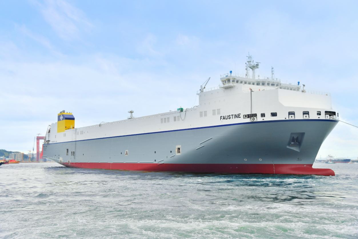 Hyundai Mipo hands over first LNG-powered Ro-Ro to CLdN