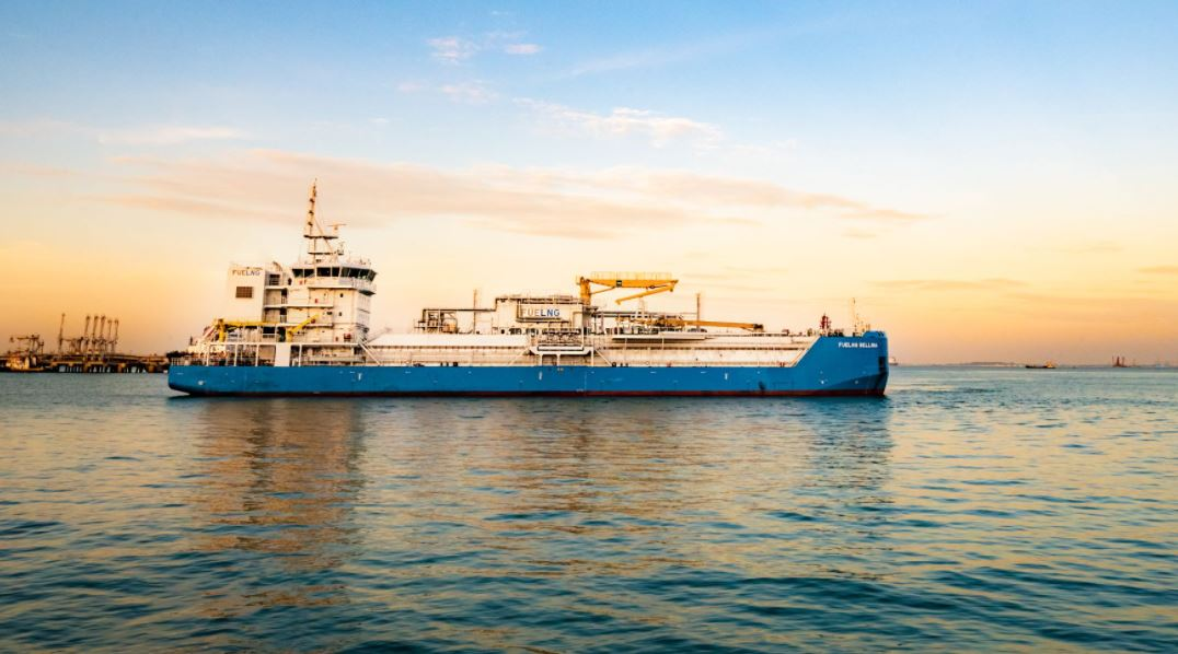 Singapore's first LNG bunkering vessel gets green ship certificate from MPA